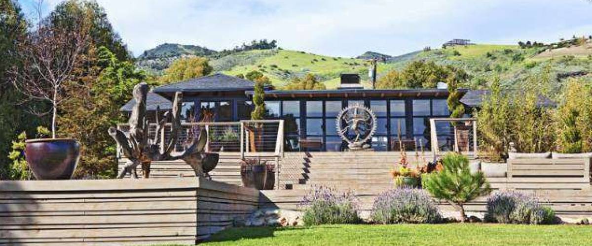 Liam Hemsworth owns this rustic ranch in Malibu, California.