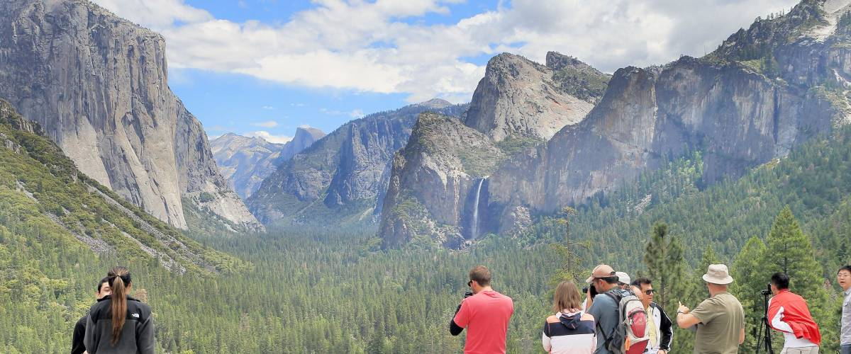 YOSEMITE NATIONAL PARK, CA, USA-MAY 22: taking photos at Tunnel view in Yosemite national Park, May 22, 2014