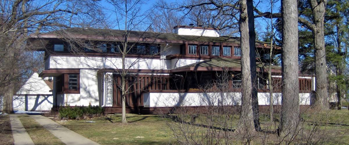 The Hiram Baldwin House in Kenilworth (1905). The Frank Lloyd Wright design is similar to the