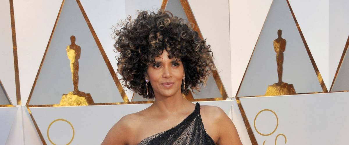 Halle Berry at the 89th Annual Academy Awards held at the Hollywood and Highland Center in Hollywood, USA on February 26, 2017.