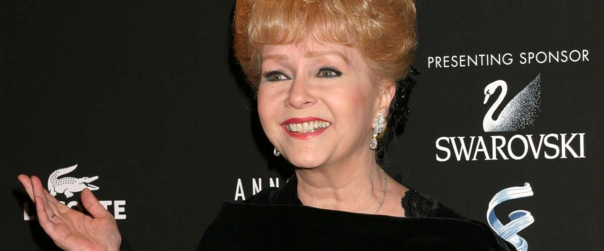Debbie Reynolds arrives at the Costume Designer's Guild Awards