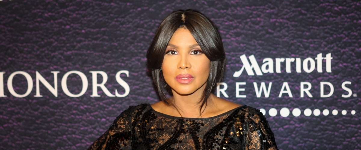 Toni Braxton Arrives on the Red Carpet At The BET Honors Awards 2016
