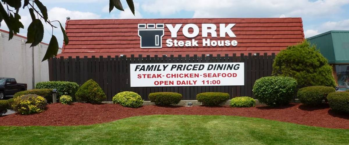 The sole remaining York Steak House -- in Columbus, Ohio
