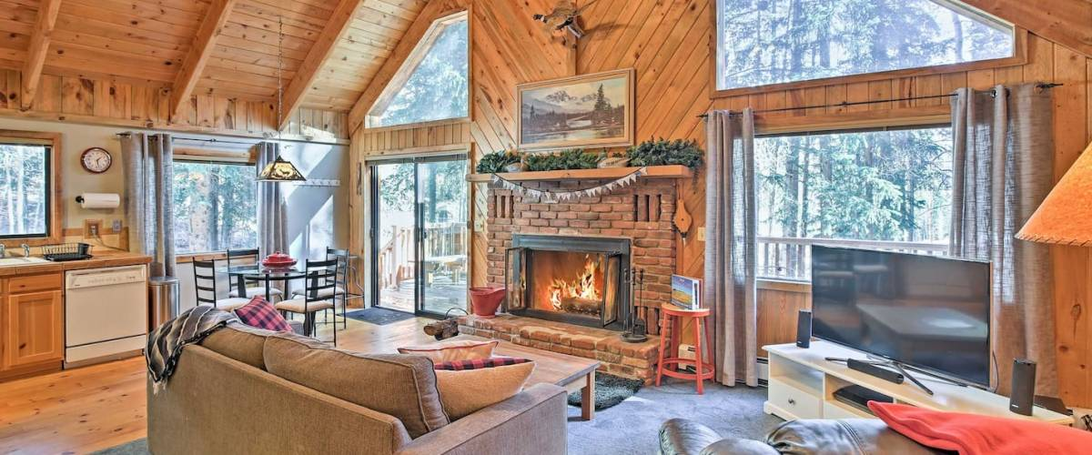 Alma, Colorado, 'Cloud 9 Cabin' w/ Fireplace & Wooded Views!