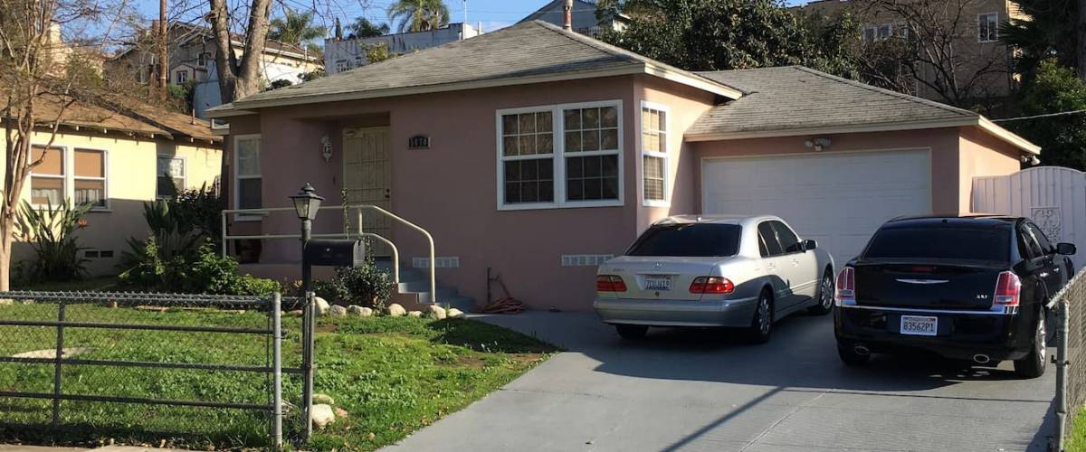 Entire 2 bedroom house 15 minutes to Downtown Los Angeles