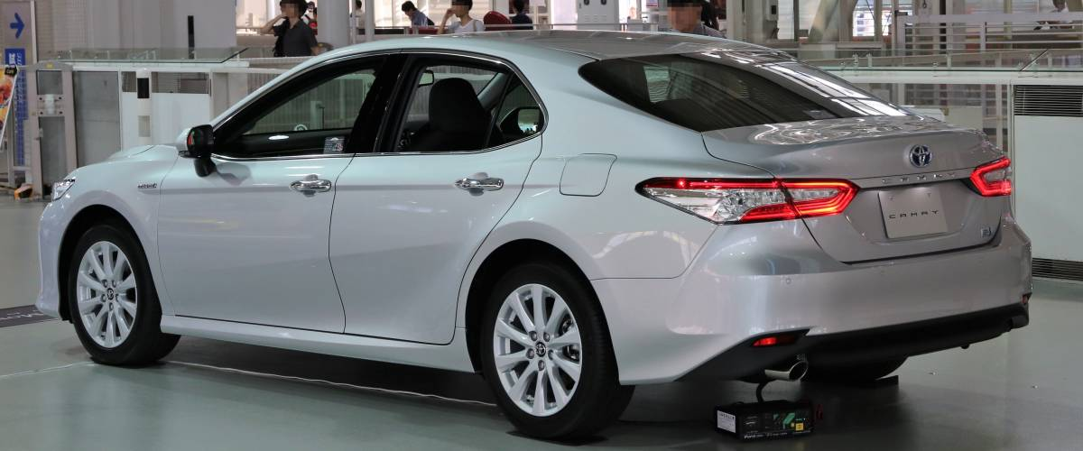 2017 Toyota Camry G rear
