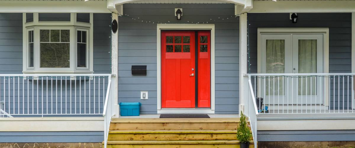A welcoming red door will impress potential buyers
