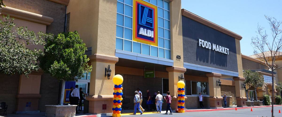Grand opening of a new Aldi store in California