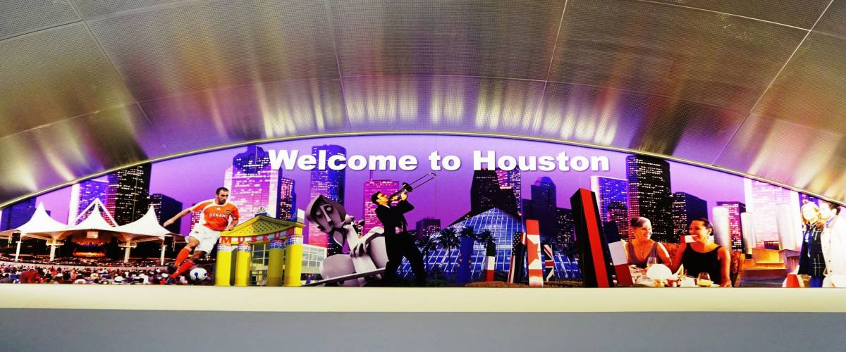 HOUSTON, TX -29 NOVEMBER 2015- The George Bush Intercontinental Airport (IAH) is the main international airport in Houston and the largest passenger carrying hub for United Airlines (UA).