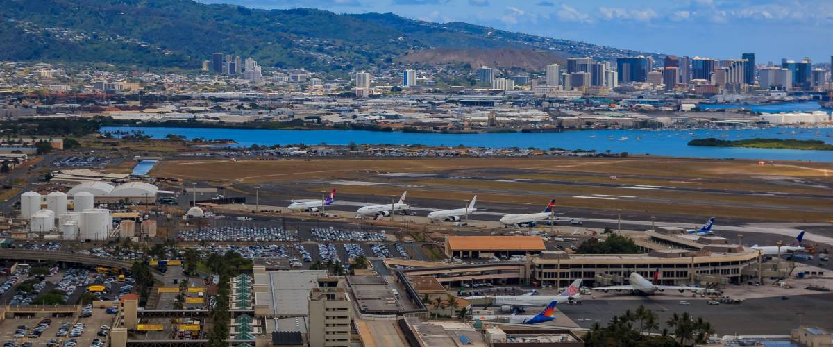 Aerial view of airplanes at Honolulu International Airport