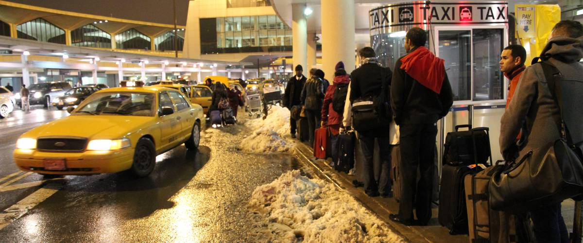 Chaos at the taxi stand, Newark Liberty International Airport
