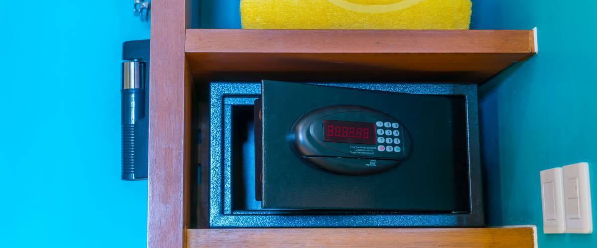 If your hotel room is robbed, your credit card may reimburse your loss