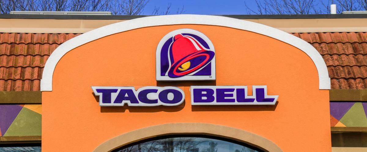 Willow Street, PA - January 25, 2017: Exterior of Taco Bell fast-food restaurant with sign and logo.
