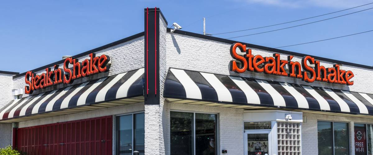 Indianapolis - Circa June 2017: Steak 'n Shake Retail Fast Casual Restaurant Chain. Steak 'n Shake is Located in the Midwest and Southern U.S. VIII