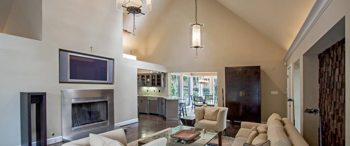 Family room in the home being sold by Nicole Kidman and Keith Urban