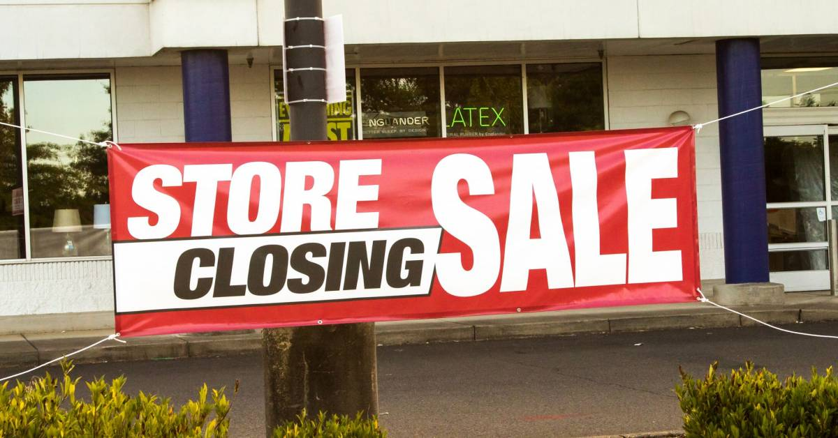 5763772a1e999 Sick Stores: These Are the Chains That Are Dying Off Fastest
