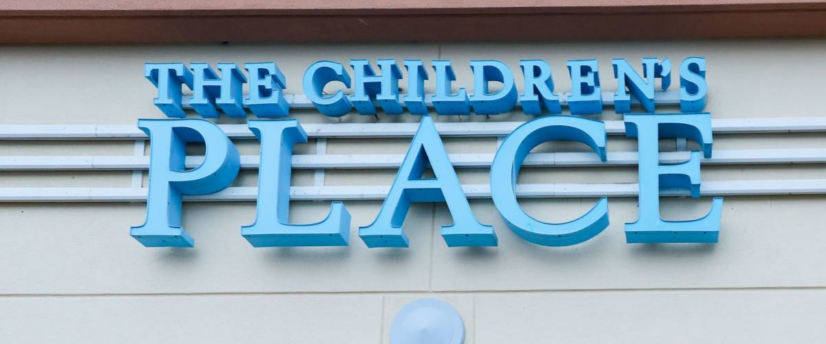 Edison, New Jersey December 16 2017: The Children's Palce Logo On Store Front Sign.