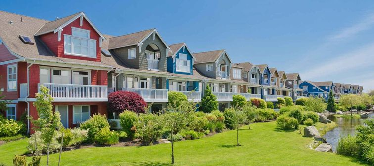 Nice and comfortable neighborhood. Townhouses in the suburbs of the North America. Canada.