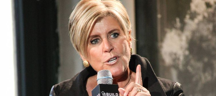 Suze Orman speaks in New York in 2014.