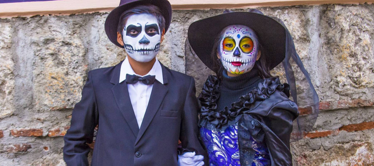 OAXACA , MEXICO - NOV 02 : Unidentified participants on a carnival of the Day of the Dead in Oaxaca, Mexico